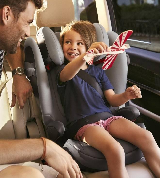 viaggiare-in-auto-con-bambini-in-totale-sicurezza-vacanze-seggiolini-cinture-01